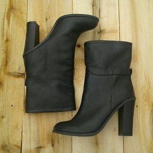 Wild diva black boots sz 8